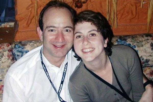 جف بزوس و همسرش مکنزی